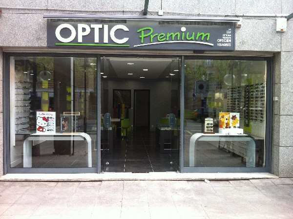 Devanture magasin OPTIC PREMIUM